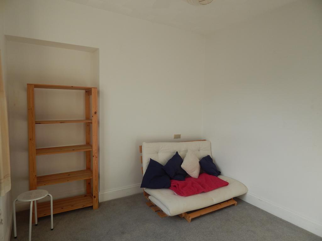 Bedroom 1/Study