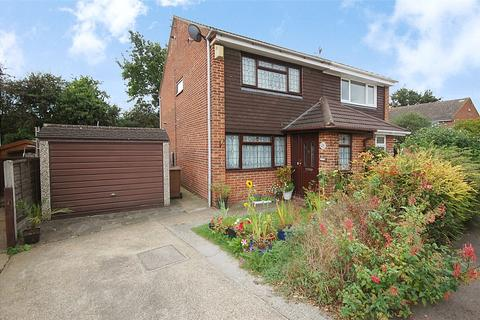 2 bedroom semi-detached house for sale - East Bridge Road, South Woodham Ferrers, Chelmsford, Essex, CM3