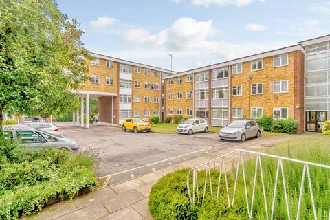 2 bedroom apartment for sale - Radstone Court, Woking, GU22