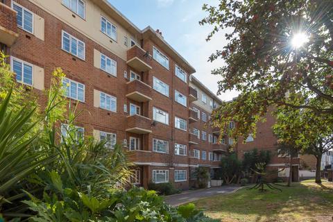 Studio to rent - Rusper Court, Clapham Road, SW9