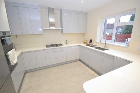 4 bedroom semi-detached house to rent - Basingstoke Road, Reading, RG2 0EL