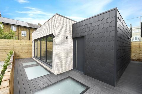 3 bedroom mews to rent - Heckford House, Grundy Street , London  E14