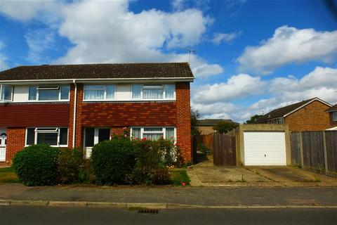 3 bedroom semi-detached house for sale - Tutsham Way, Paddock Wood, Tonbridge, Kent