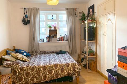 3 bedroom flat share to rent - Ben Jonson Road, Stepney Green E1