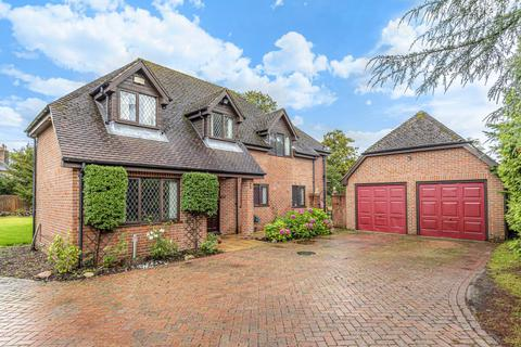 5 bedroom detached house for sale - Round End, Wash Common, RG14