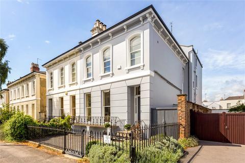 5 bedroom semi-detached house for sale - Sydenham Villas Road, Cheltenham, Gloucestershire, GL52