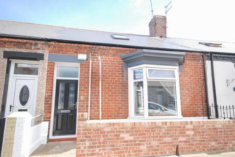 2 bedroom cottage for sale - Hartington Street, Roker