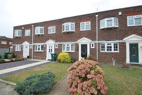 3 bedroom terraced house for sale - Shaftesbury Crescent, Staines-Upon-Thames, TW18