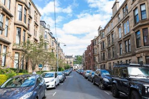 3 bedroom apartment to rent - Ruthven Street, Glasgow G12