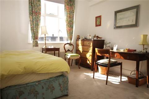2 bedroom apartment to rent - Belgrave Court, Wellesley Road, London, W4