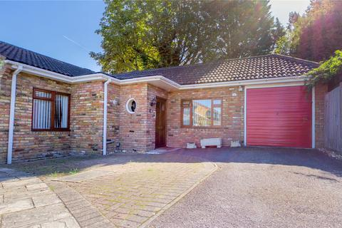 3 bedroom bungalow to rent - Hawthornes, Tilehurst, Reading, Berkshire, RG31