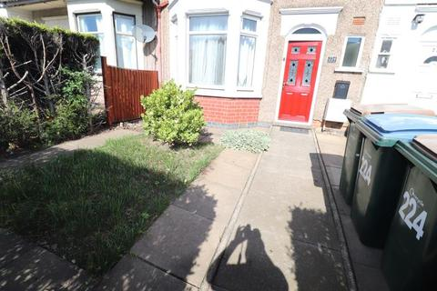 3 bedroom terraced house to rent - Burnaby Road, Radford, Coventry, Cv6 4ay