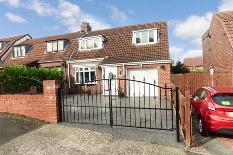 3 bedroom semi-detached house for sale - Douglas Gardens, Dunston, Gateshead, Tyne and wear, NE11 9RA
