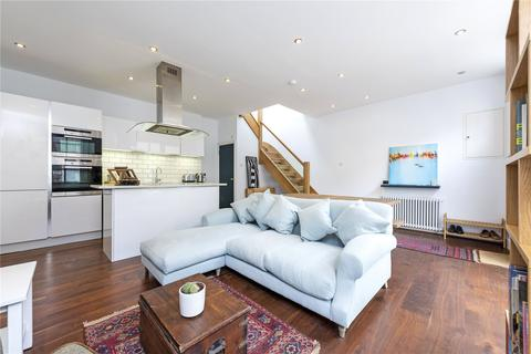 2 bedroom mews for sale - Craven Mews, London, SW11