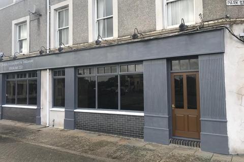 House to rent - Lock-Up Shop and Premises, 2 Park Street, Bridgend, CF31 4AU