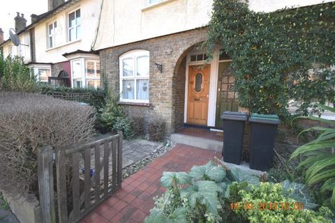 2 bedroom terraced house to rent - Shobden Road, N17