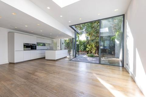 5 bedroom end of terrace house for sale - Adderley Grove, London, SW11