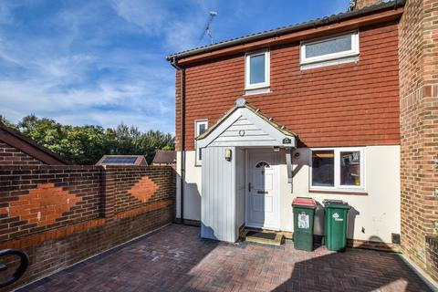 2 bedroom end of terrace house to rent - Hollingbourne Crescent, Crawley