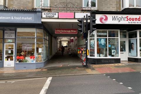 Retail property (high street) to rent - High Street, Shanklin