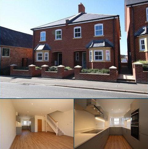 3 bedroom semi-detached house to rent - Victoria Road, Wimborne
