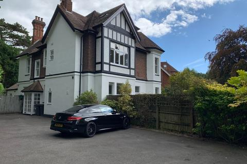 2 bedroom flat to rent - West Cliff, Bournemouth