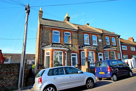 2 bedroom end of terrace house for sale - Ramsgate
