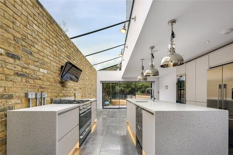 4 bedroom house for sale - Chisenhale Road, Bow, London, E3