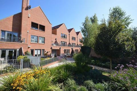 2 bedroom apartment for sale - Ridgeway Place, Short Walk to Village