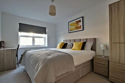 5 bedroom house share to rent - Queens Court, Basford, Stoke-On-Trent