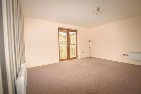 2 bedroom apartment to rent - Peregrine Way, Clayton Heights, Bradford