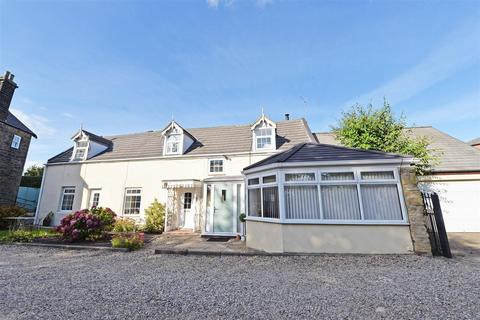2 bedroom end of terrace house for sale - Garden cottage, Larne Crescent, Low fell
