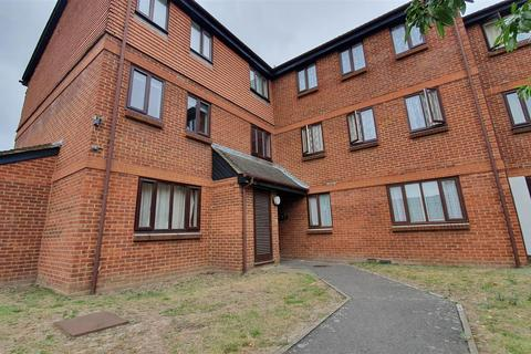 1 bedroom flat for sale - Gade Close, Hayes