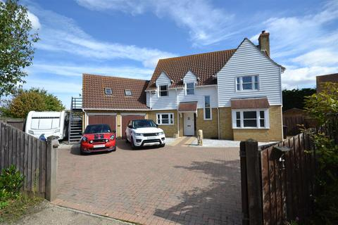3 bedroom detached house for sale - The Hawthorns, Burnham-On-Crouch