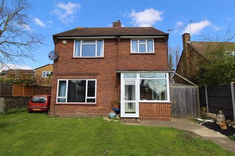 3 bedroom detached house to rent - Dawes East Road, Burnham