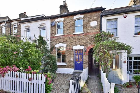 2 bedroom cottage for sale - Chelmsford Road, London, N14