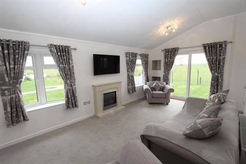 2 bedroom mobile home for sale - Irwin Road, Minster On Sea, Sheerness