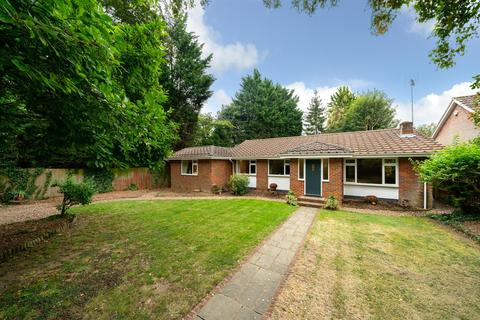 5 bedroom detached bungalow for sale - Two Dells Lane, Ashley Green, Chesham