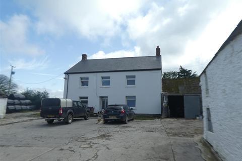 4 bedroom property with land for sale - Near Talgarreg, Llandysul
