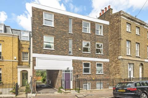 3 bedroom flat for sale - Circus Street London SE10