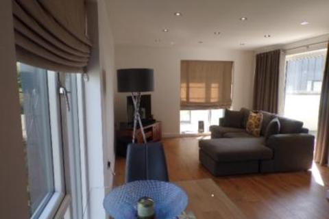 2 bedroom flat to rent - Bute House, Oakhill Grange, AB15