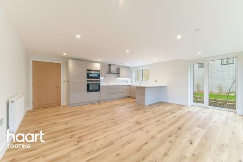3 bedroom flat for sale - Garratt Lane, London