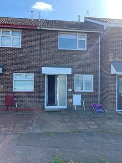 2 bedroom terraced house to rent - Royal Oak Drive, Wickford, Essex, SS11