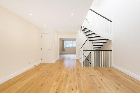 2 bedroom end of terrace house to rent - Queen Anne Mews, Marylebone, London, W1