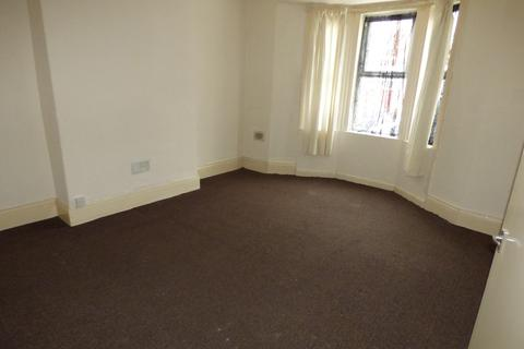 2 bedroom flat to rent - Balfour Street, Gateshead NE8