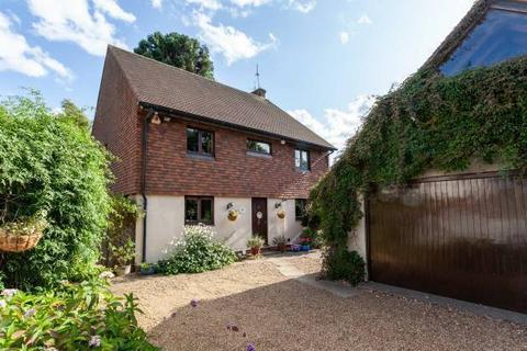 6 bedroom detached house - Wilsley Pound, Sissinghurst, Cranbrook, Kent TN17 2HR