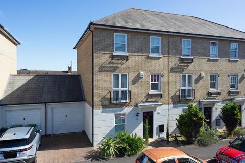 4 bedroom townhouse for sale - Saffron Close, Maidstone, ME16