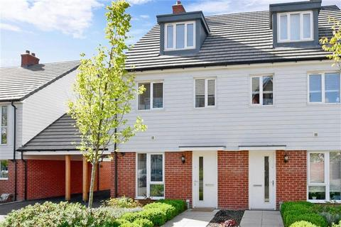 3 bedroom townhouse for sale - Patrick Clayton Drive, Ashford, Kent