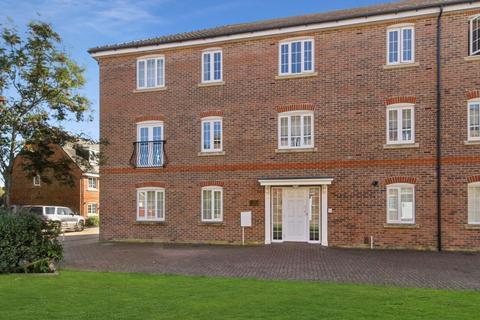 2 bedroom flat for sale - 2 bedroom Ground Floor Flat in Tangmere