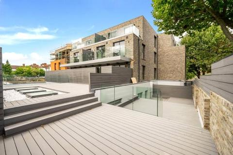 3 bedroom flat for sale - Chancellor Court, 114 Regents Park Road, Finchley, London, N3