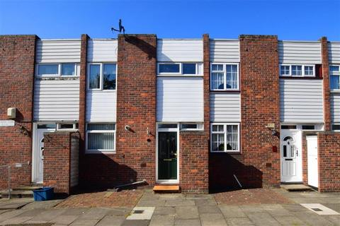 3 bedroom terraced house for sale - Inglewood Close, Ilford, Essex